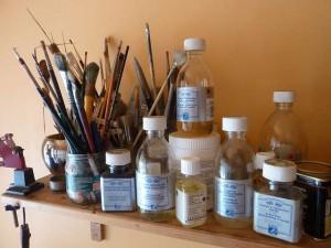 des médiums, des huiles et des vernis